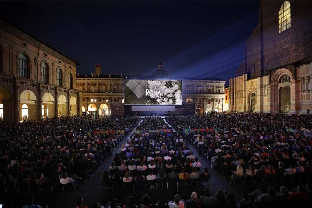Roma in piazza Maggiore